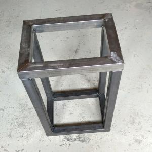 gelast frame van stalen koker voor een beeldhouwbok
