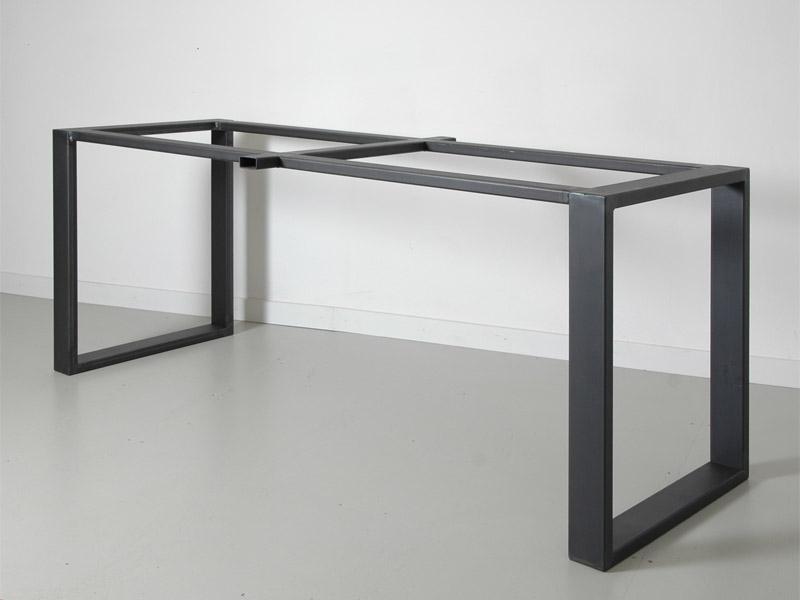 tafel frame van koker staal